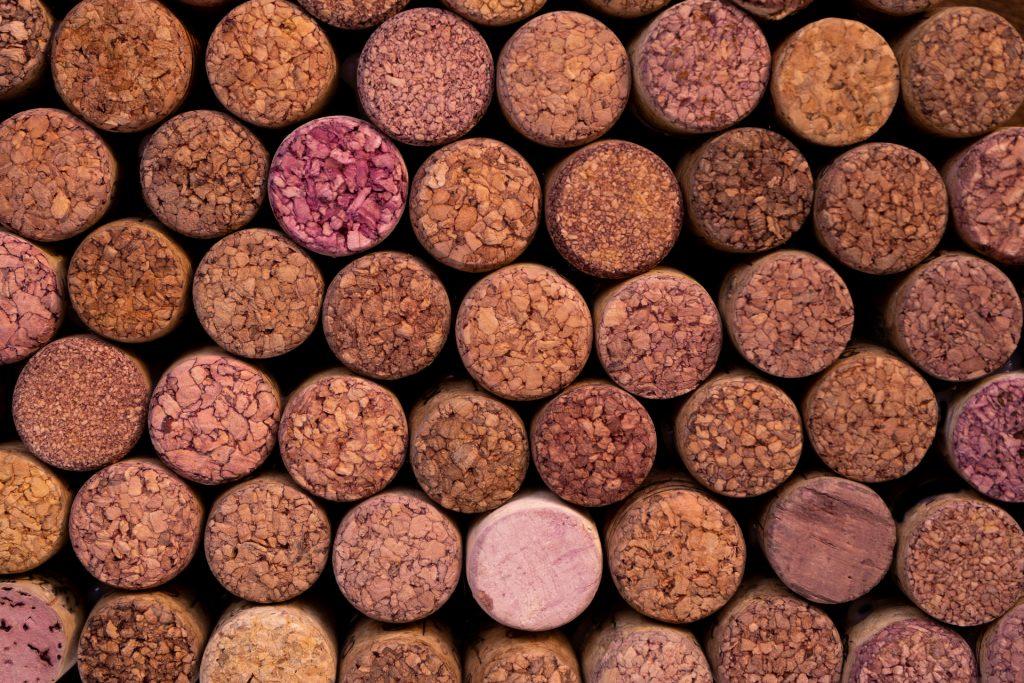 La storia del vino tappi di sughero | iltoccodivino.it
